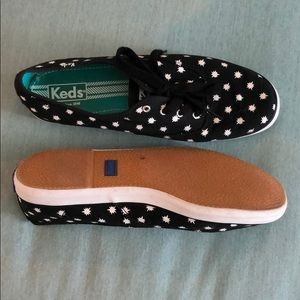 Classic Keds black/white sneakers NWOB